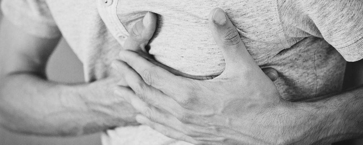 Schmerzen in der linken Brust | Luftnot und Brustschmerz